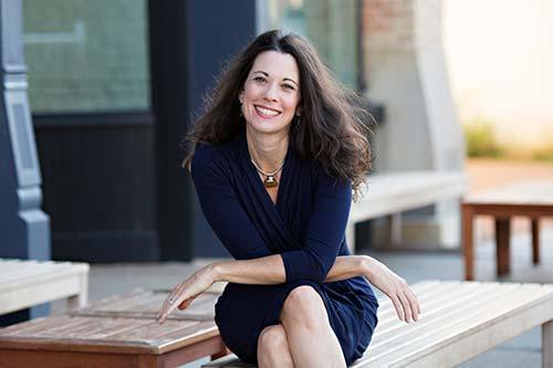 Maggie Christopher QNRT Nutrition Coach Portrait
